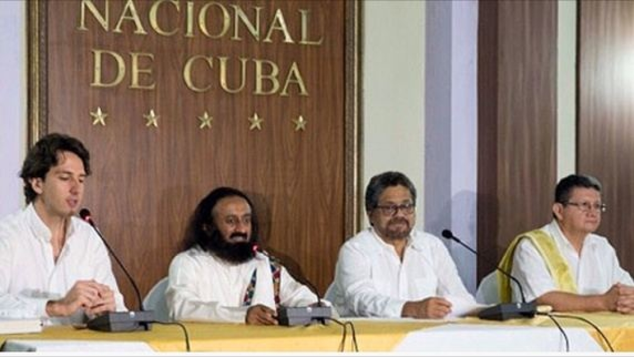 Sri Sri Ravi Shankar with FARC leaders: Photo credit: Art of Living