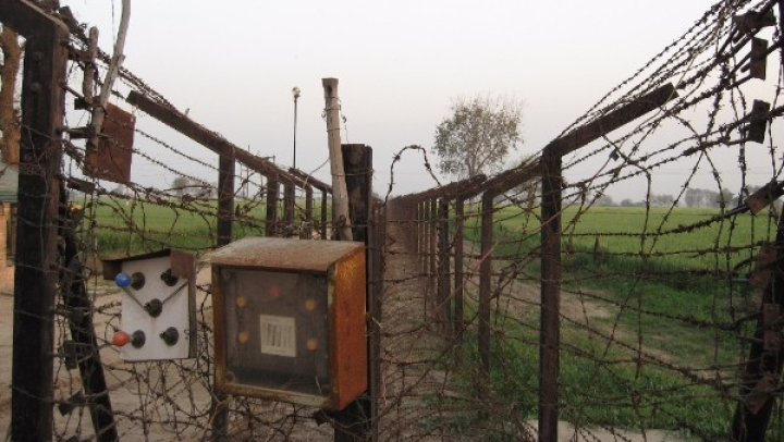 Army Destroys Three Pak Posts After BSF Man, Girl Die In Ceasefire Violation; Three Pakistani Soldiers Reported Dead