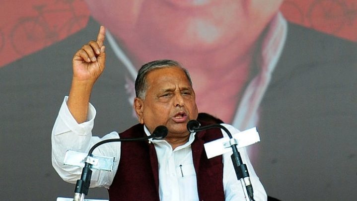 Allahabad HC Issues Notice To SP Leader Mulayam Singh Yadav For Alleged Threats To IPS Officer