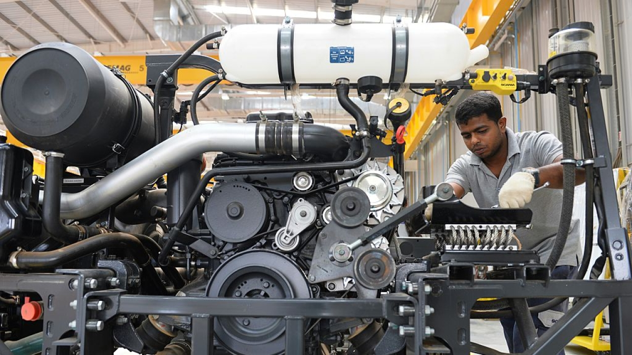 India's Factory Activity Hits Fiver-Year High In December, Rate Of Job Creation Highest Since August 2012