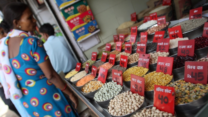 Wholesale Inflation Falls To 2.6 Per Cent In September