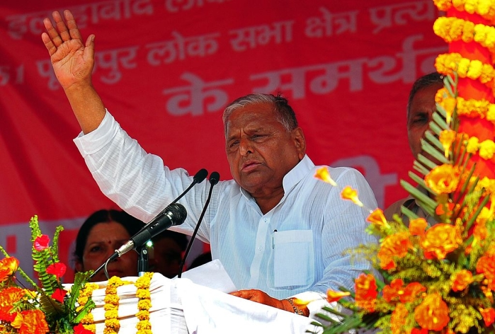 UP: SP's Mulayam Singh, Dimple Yadav Leading In Traditional Strongholds Of Mainpuri, Kannauj