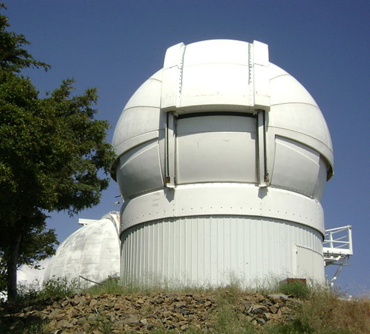 Automated Planet Finder at the Lick Observatory in Northern California.  (By Oleg Alexandrov - commons.wikimedia.org)