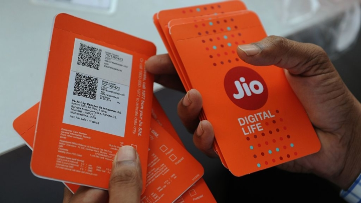 After Vodafone-Idea And Airtel, Reliance Jio Increases Tariff Plan Rates By 40 Per Cent; Effective From 6 December