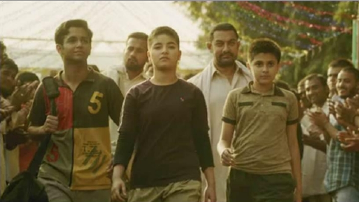 'Her Account Was Hacked': Zaira Wasim's Manager Says Dangal Actor Didn't Write About Quitting Acting