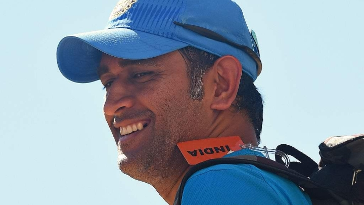 BCCI Firmly Backs Dhoni For Wearing Gloves With Balidaan Badge; Refuses To Buckle Under ICC Pressure