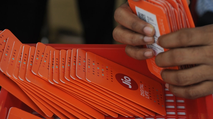 Reliance Jio To Extend Lead Over Airtel, Vodafone-Idea, Will Dominate With 40-45 Per Cent Market Share By FY22: Report