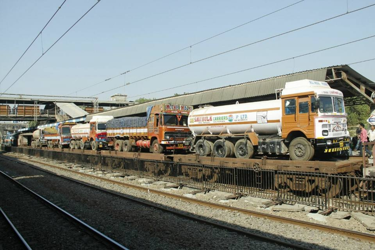 The ro-ro train (Rajendra B Aklekar/Pritesh Rathod)