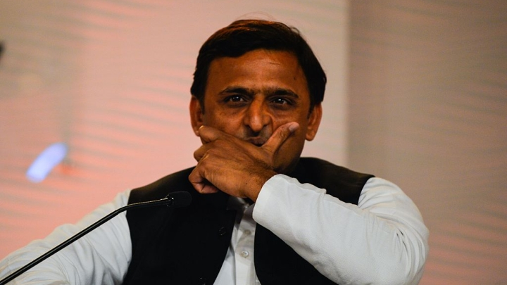 [Watch] 'You're A Very Small Worker, Get Out!': Akhilesh Yadav Insults Doctor On Duty While Meeting Bus Accident Victims