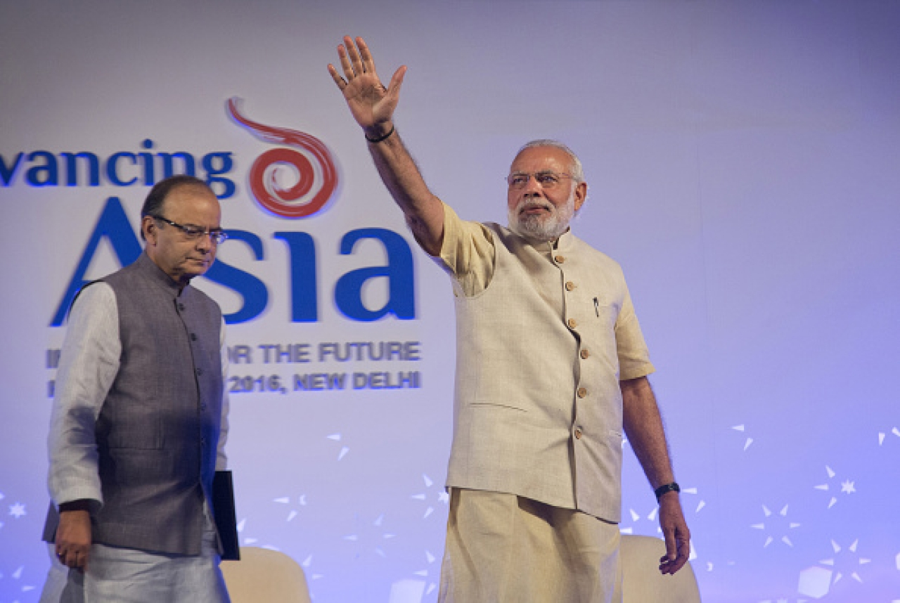 Arun Jaitley and Narendra Modi (Kuni Takahashi/Bloomberg via Getty Images)