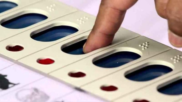Malfunctioning EVM Found Recording Votes In Favour Of Congress Irrespective Of The Button Pressed