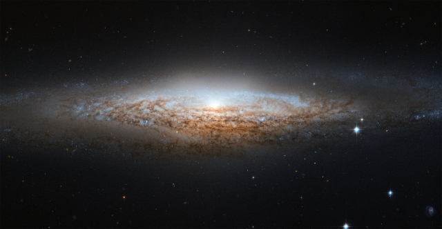 Hubble Turns 27: Here Are 10 Overwhelmingly Beautiful Images Of Galaxies It Captured