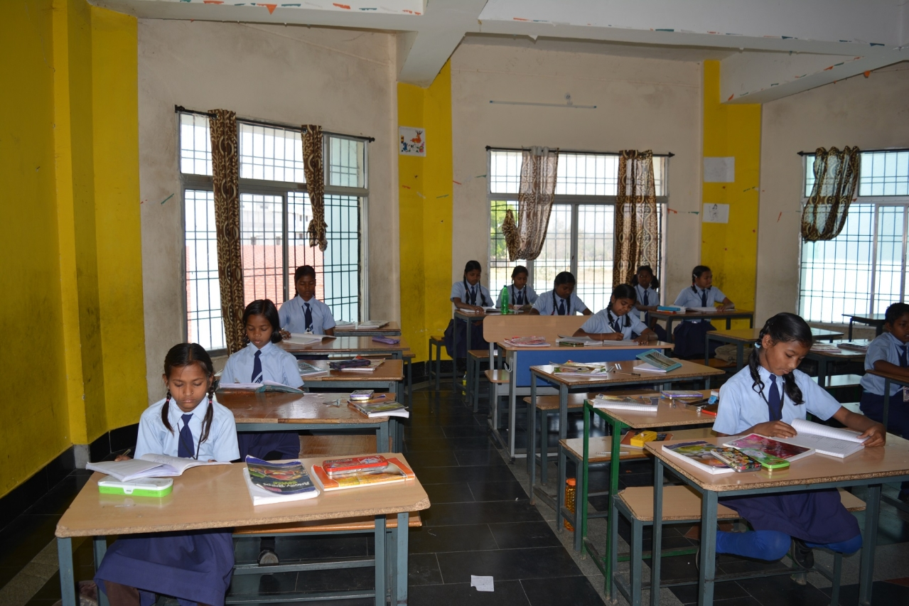 Students at the computer lab at Aastha Vidya Mandir, Dantewada
