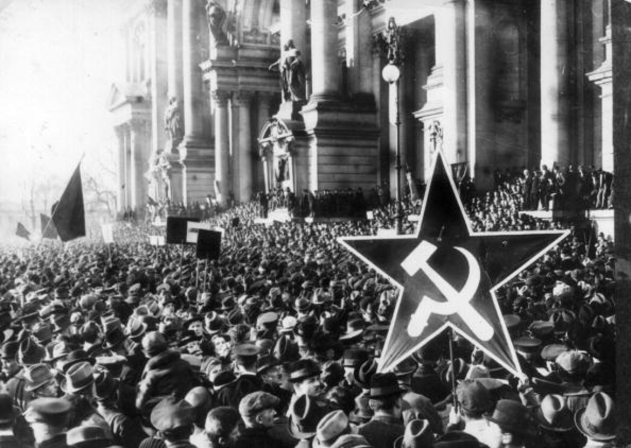 A demonstration by German communists during the Revolution following Germany's defeat in the First World War. (Hulton Archive/Getty Images)