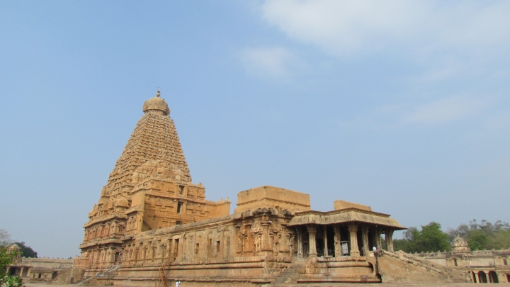 Tamil Nadu Tourism: Temples Attract More Tourists Than Beaches; Spiritual Tourism  Growing At 20 Per Cent A Year