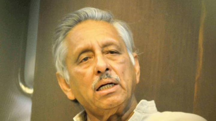 Mani Shankar Aiyar Abuses, Assaults Journalist After Being Questioned Over 'Neech' Remark Against PM Modi