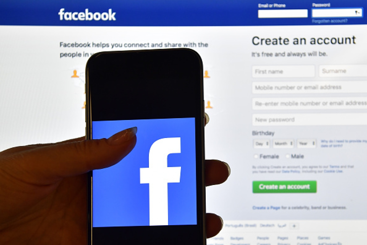 Can Facebook meddle or otherwise with, or influence, human minds, en masse? (Carl Court/Getty Images)