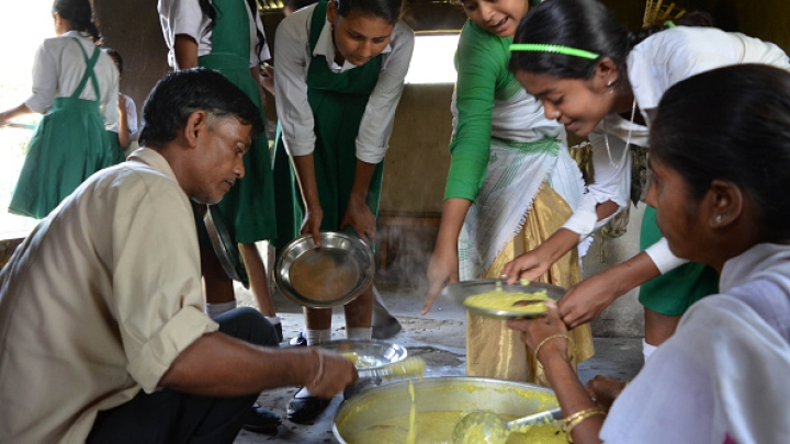 A New Combined Community Kitchen-Food Subsidy Framework To Combat Chronic Hunger In India