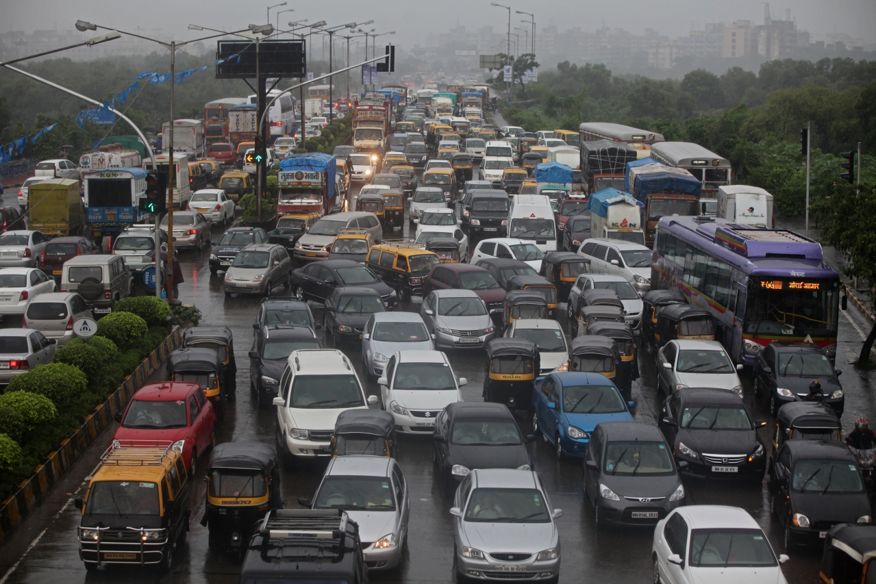 Traffic in Mumbai (Sattish Bate/Hindustan Times via Getty Images)