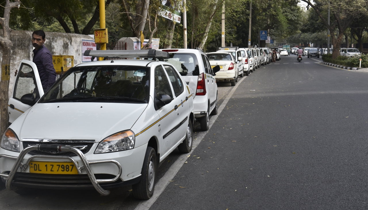 Ola and Uber Cabs in Delhi. (Sushil Kumar/Hindustan Times via Getty Images)