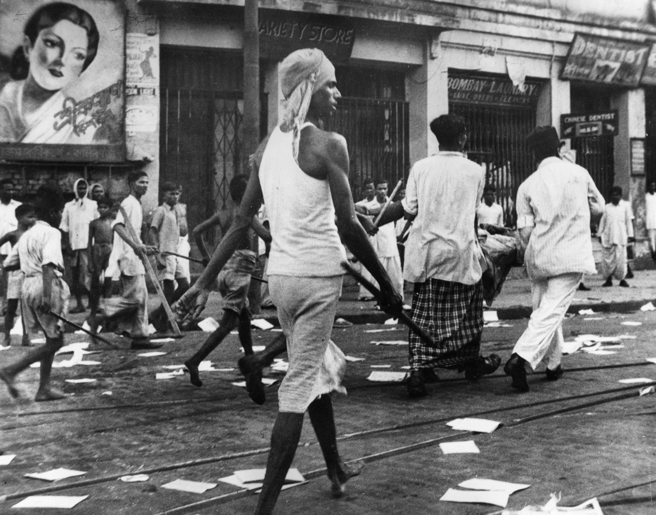 Riots in Calcutta preceding the Partition of India. (Keystone/Getty Images)