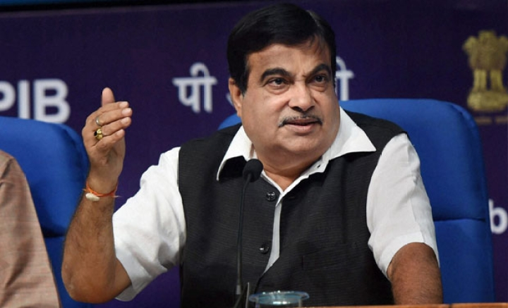 Gadkari Slams Banks For Not Funding Projects Despite 'Golden Opportunity', Says RBI Creates More Complications