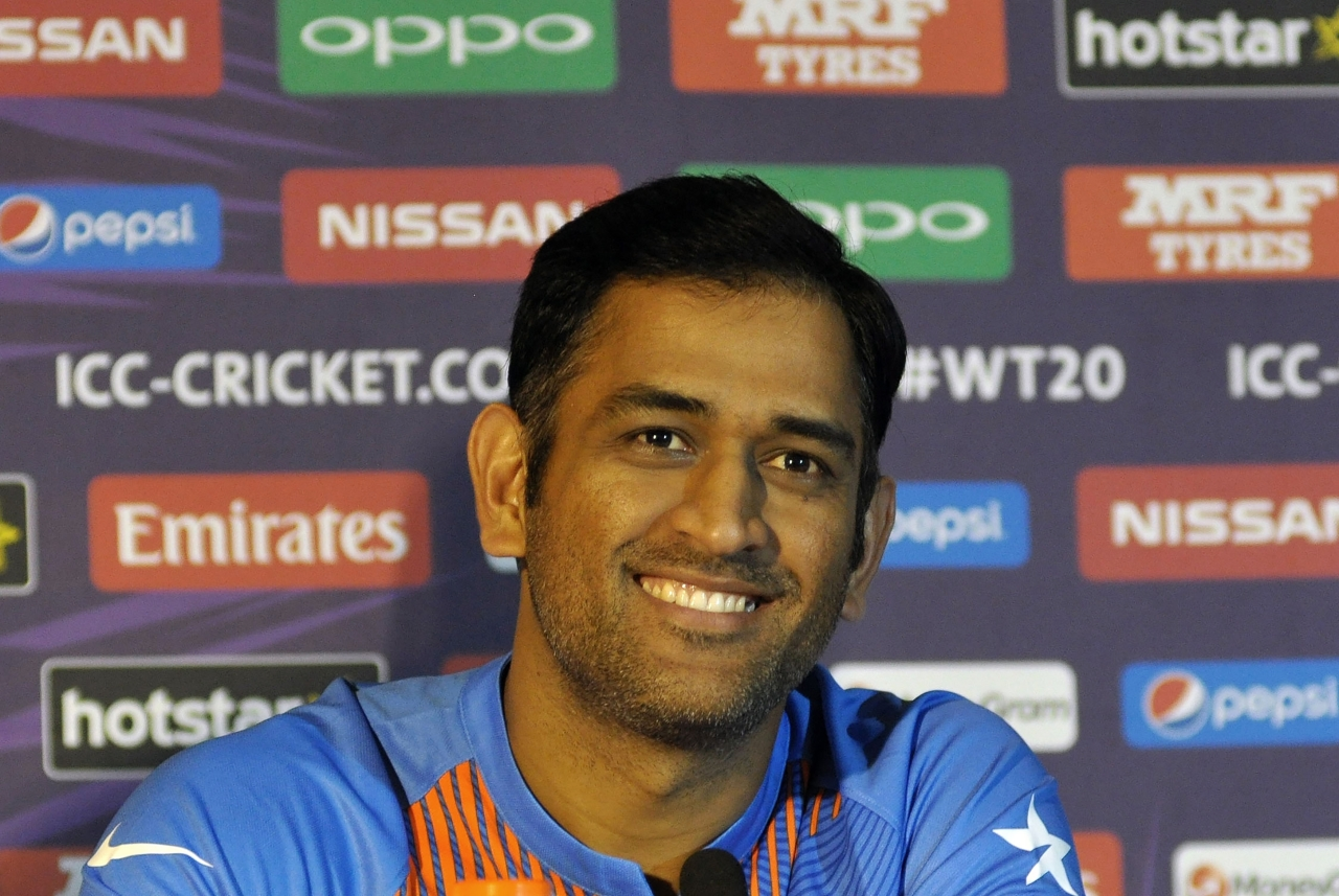 Indians Overwhelmingly Back Dhoni After ICC Asks Him To Stop Wearing Gloves Honouring Indian Army Troops