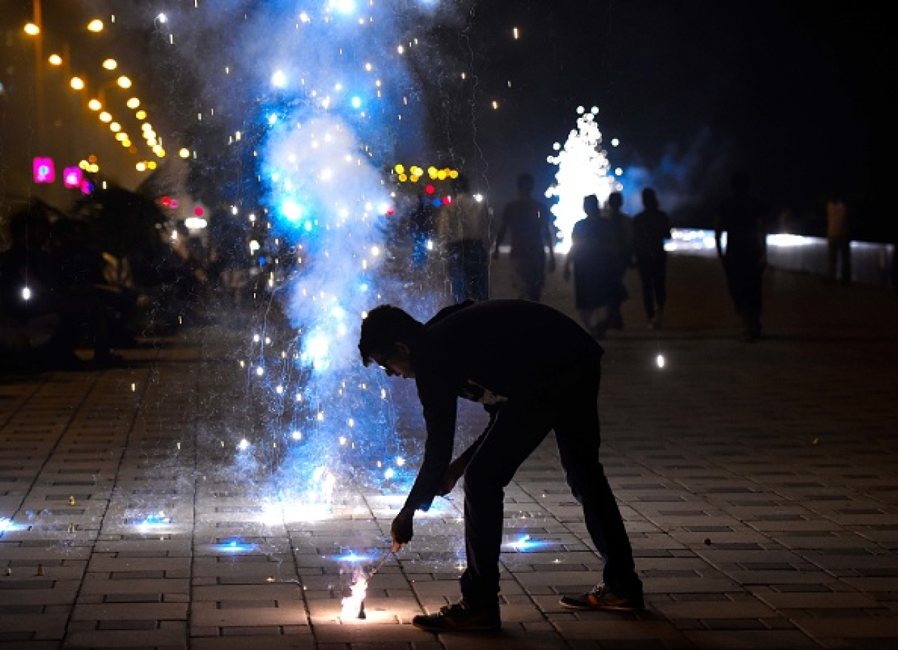 Supreme Court banned the sale of firecrackers in NCR and not its use.  (Anshuman Poyrekar/Hindustan Times via Getty Images)