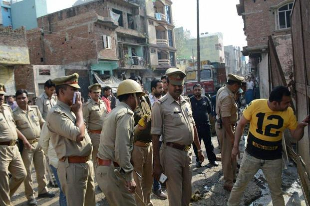 MP: Four Cops Injured As Mob Attacks Them With Stones For Trying To Enforce Lockdown In Dewas