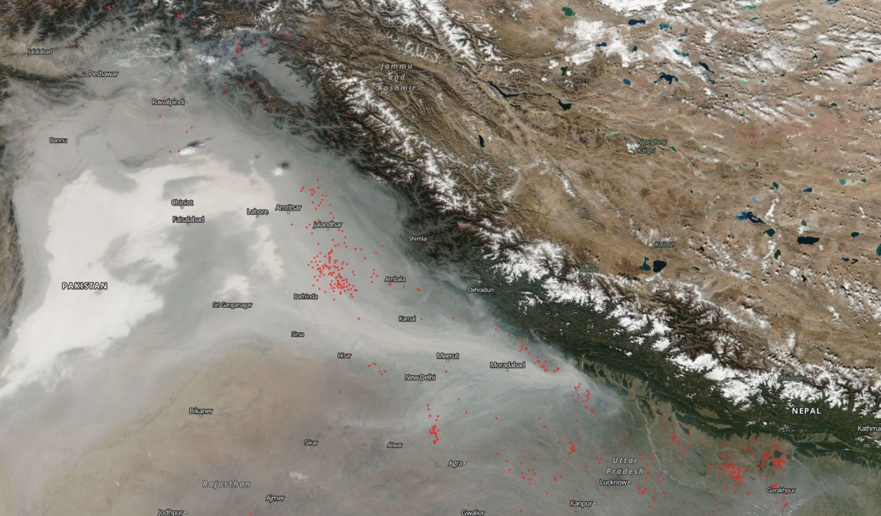 The air in North India and Eastern Parkistan right now (NASA Earth Observing System Data and Information System (EOSDIS)