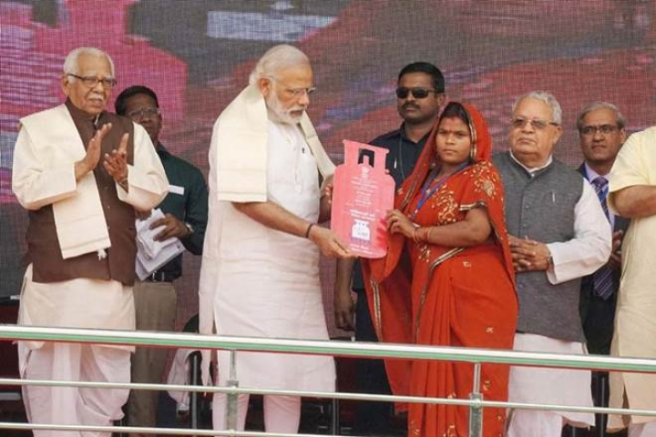 PM Modi To Hand Over Last Of The Eight Crore Gas Connection Under Ujjwala Yojana Today, Seven Months Ahead Of Schedule