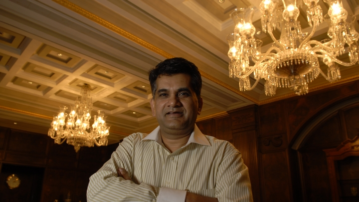 NITI Aayog CEO Amitabh Kant Says Bringing Down Cost Of Batteries In Electric Vehicles Is The Need Of The Hour