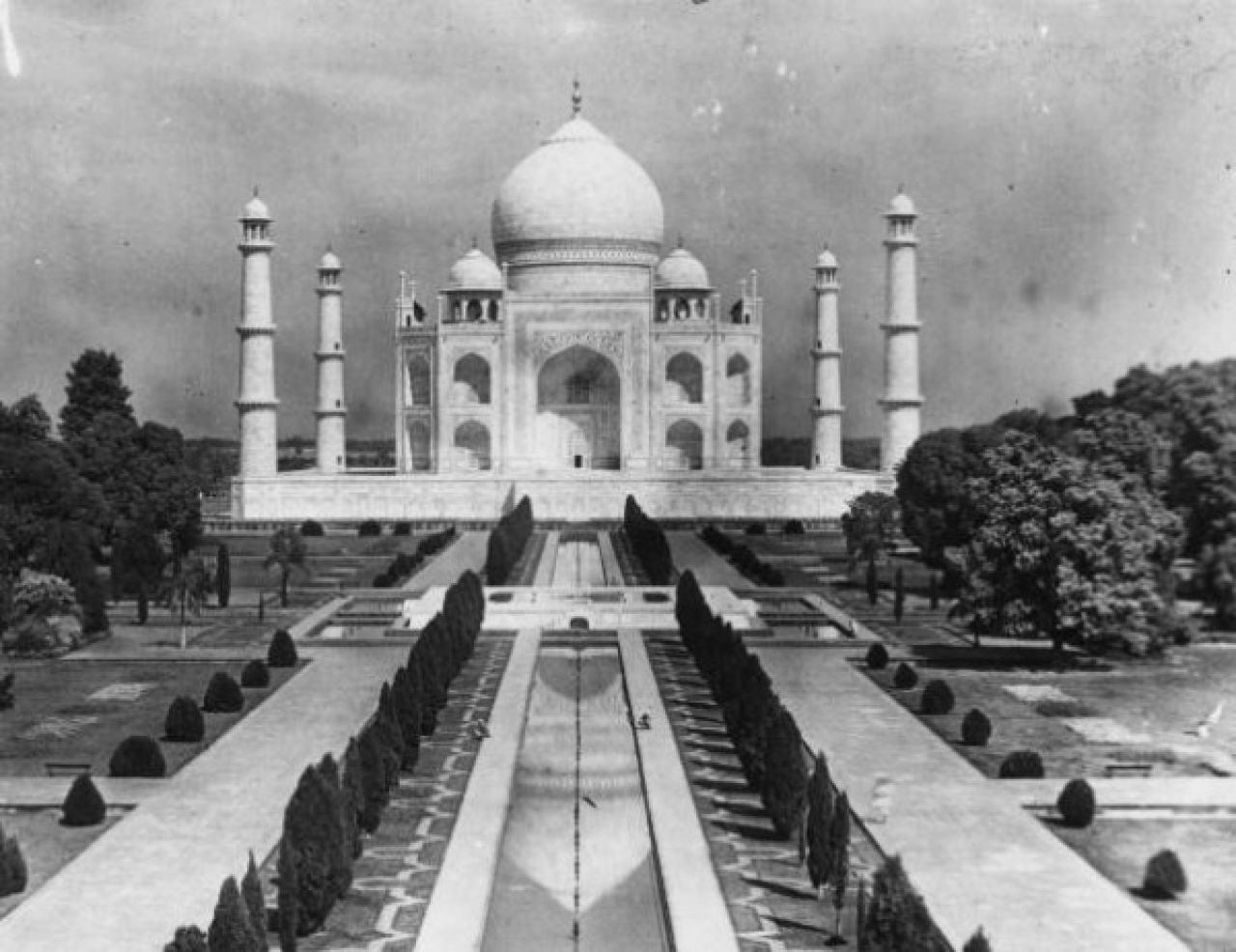 <p>The Taj Mahal (built 1632-1654) at Agra, in memory of Mumtaz Mahal, wife of Shah Jahan. (J. A. Hampton/Topical Press Agency/Getty Images)</p>