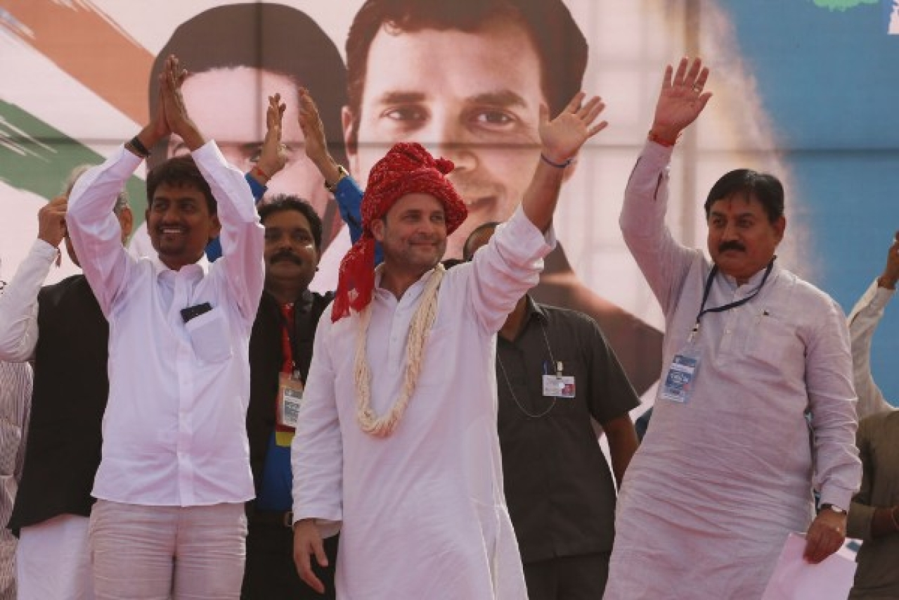 OBC leader Alpesh Thakor joined the Congress party in the presence of now Congress president Rahul Gandhi in October 2017. (Siddharaj Solanki/Hindustan Times)