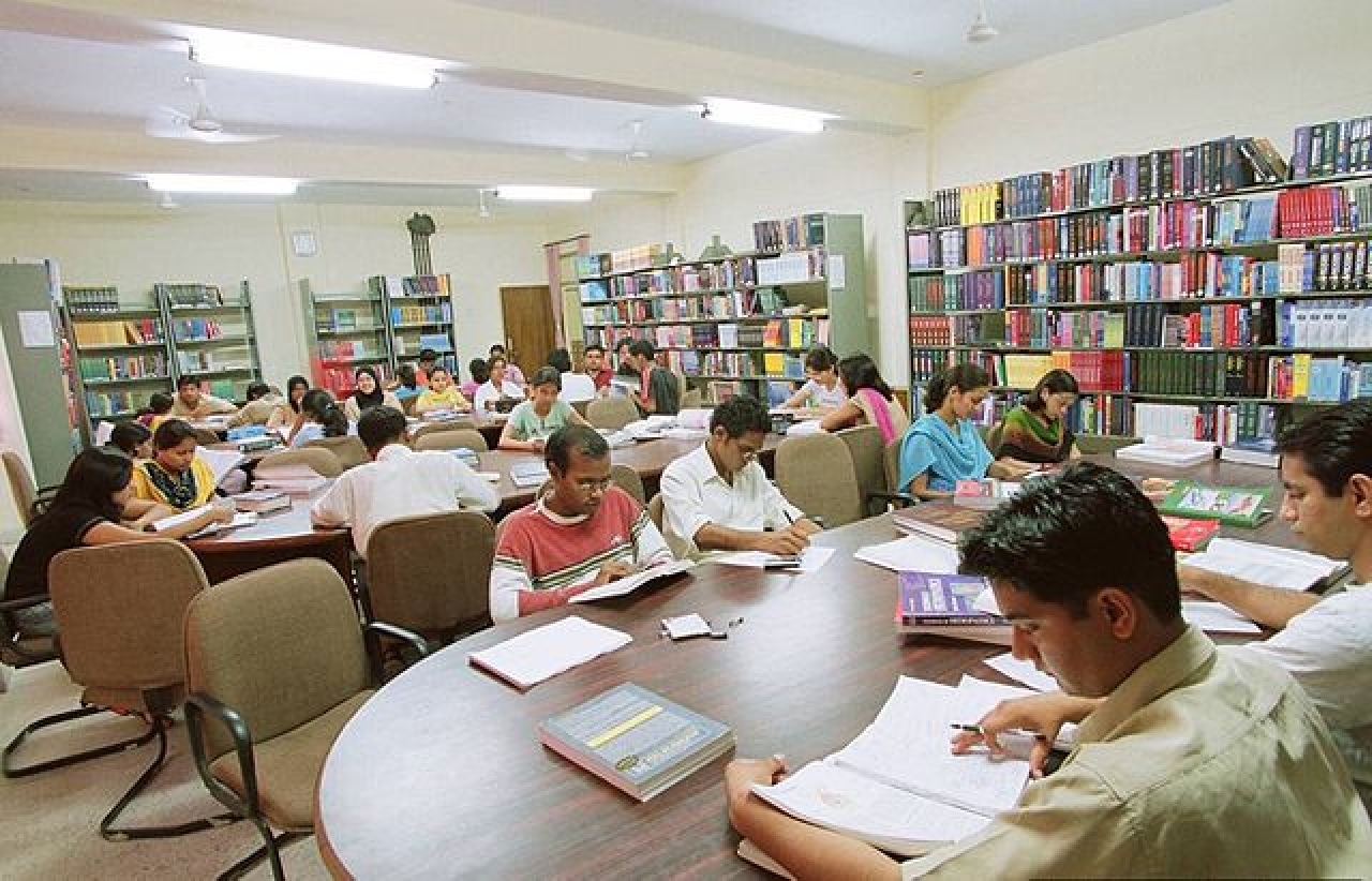 Medical library at Government Medical College, Haldwani. (Dr Deanndamon/Wikimedia Commons)