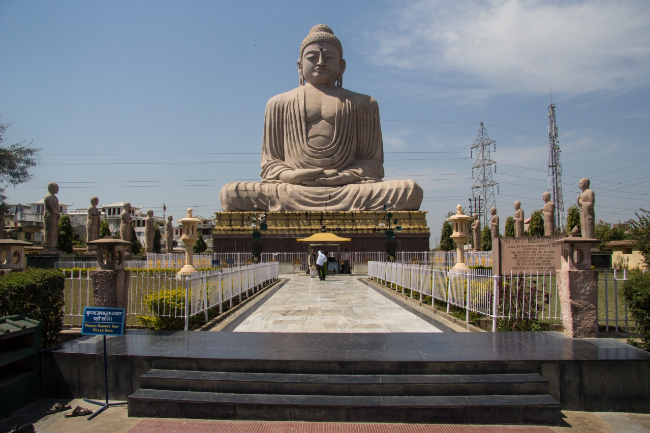 "The Greta Buddha Statue at Bodh Gaya (<a href=""https://www.flickr.com/people/84985982@N00"">Andrew Moore</a>/Flickr)"
