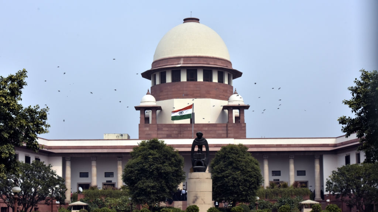 Supreme Court Burns Midnight Oil To Hear Congress Petition Seeking To Prevent BJP From Forming Government In Karnataka