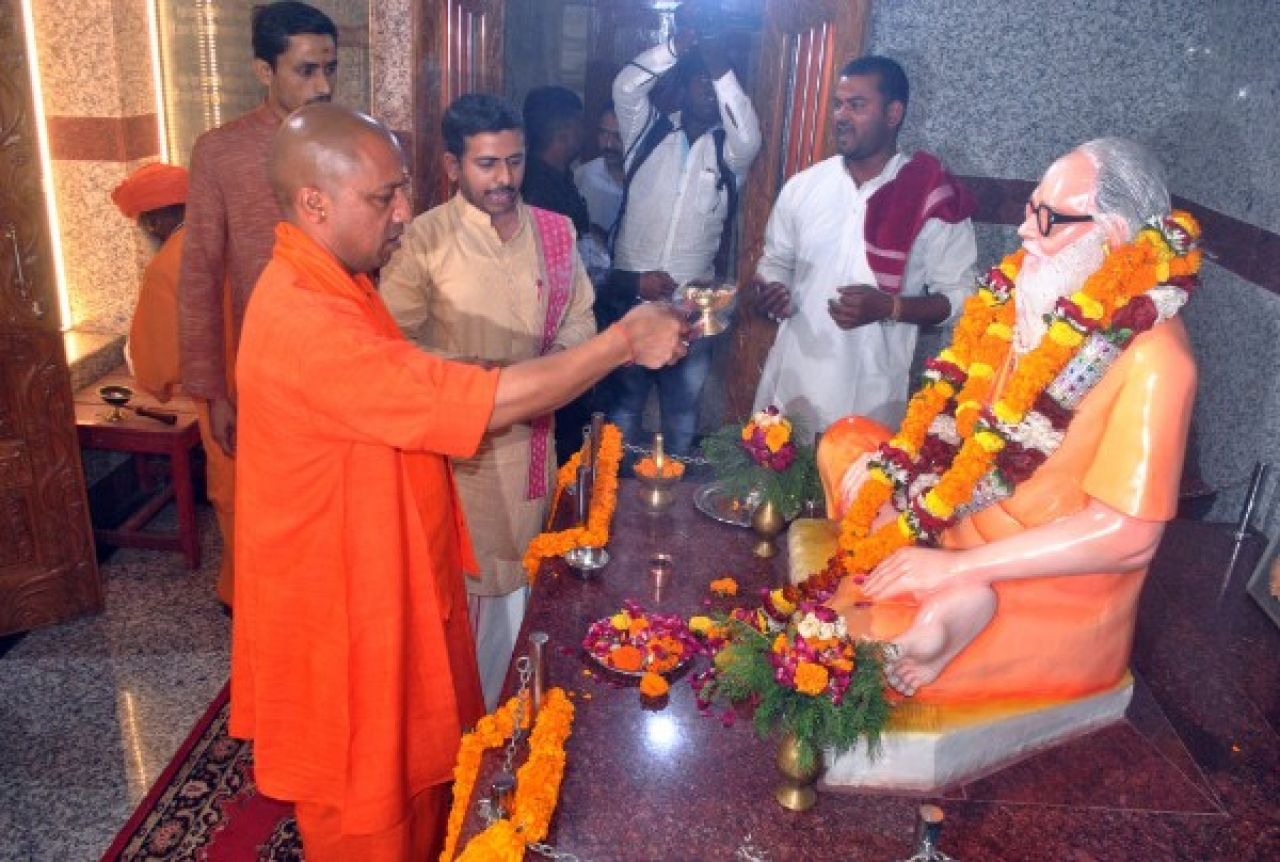 Chief Minister of Uttar Pradesh and Mahant of Gorakhdham Temple Yogi Adityanath performing puja of Brammhlin Guru Awaidhnath at Gorakhnath Temple (Deepak Gupta/Hindustan Times via GettyImages)