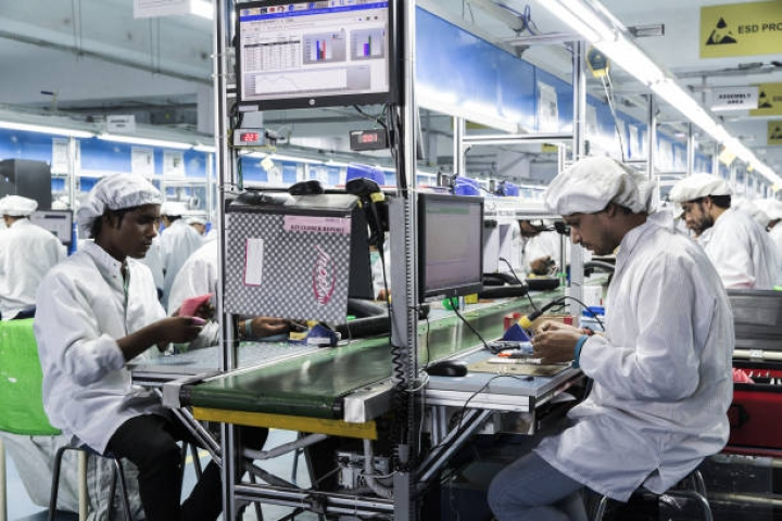 Government May Impose 10 Per Cent Duty On PCBs For Smartphones To Boost Local Manufacturing: Report