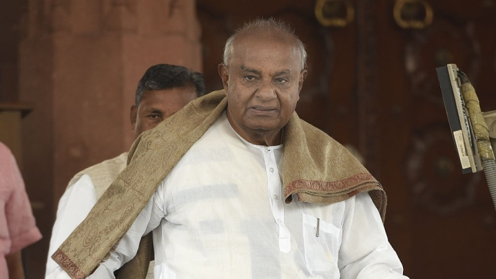 Amidst 'The Accidental Prime Minister' Row, Former PM Deve Gowda Says 'Me Too'