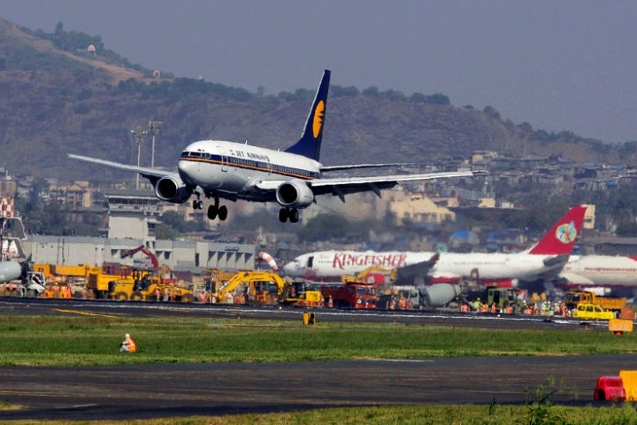 Calls, Internet On Planes To Be Possible As Telecom Commission Approves In-Flight Connectivity In Indian Airspace