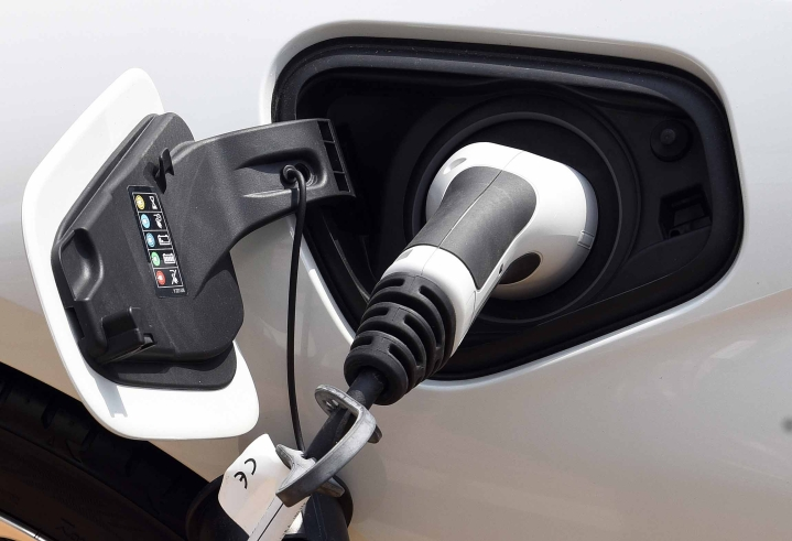 Buy An EV, Get Your Road Tax And Registration Refunded; Andhra Pradesh Clears New EV Policy