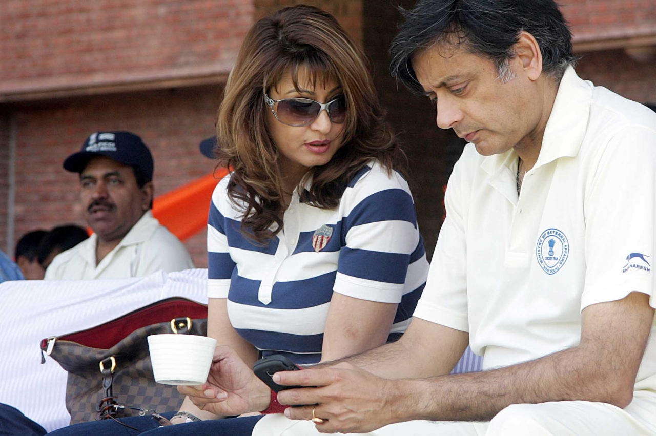 Delhi Police Pushes For Murder Charge Against Shashi Tharoor, Accuse Him Of Torturing Sunanda Pushkar