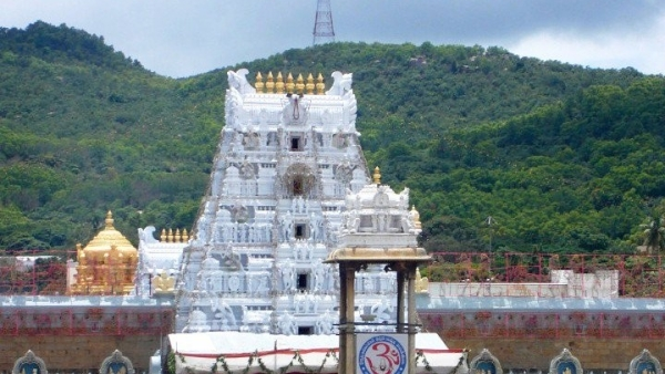 Around Two Lakh Pilgrims Offer Hair At Tirupati In One Week