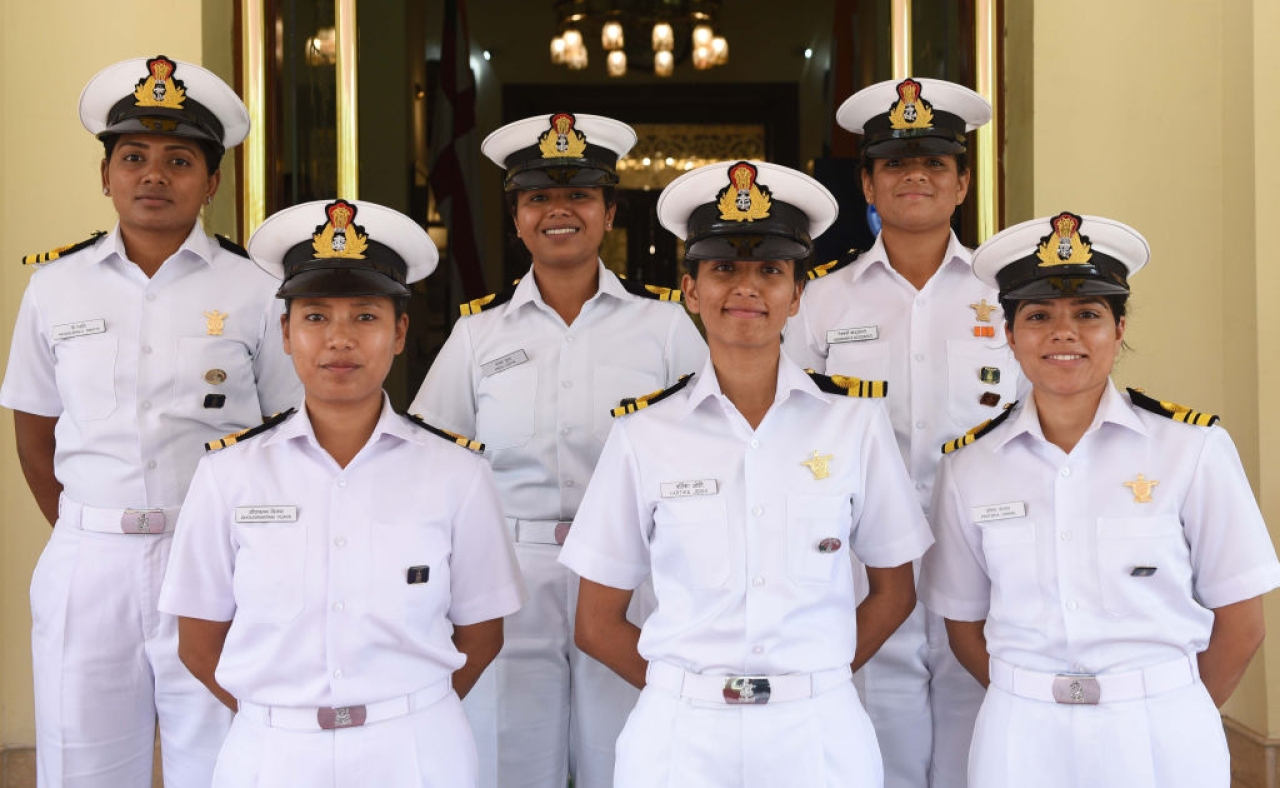 The all-women crew members of Navika Sagar Parikrama in New Delhi. (Vipin Kumar/Hindustan Times via GettyImages)