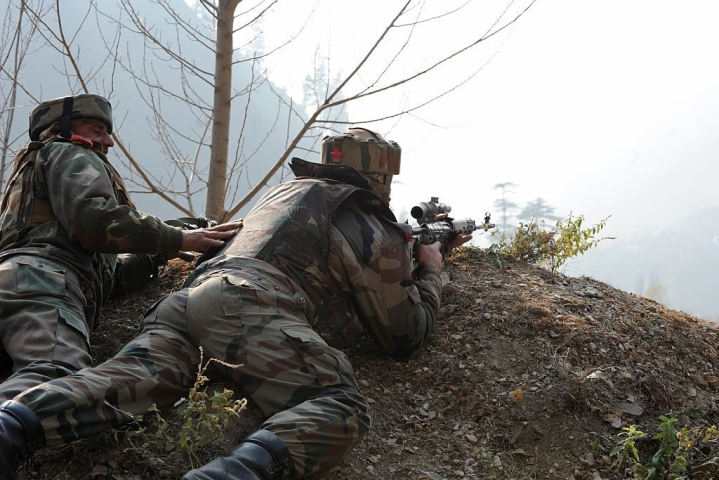 Indian Army Nabs Two Pakistani Terrorists Along The LoC While They Were Trying To Infiltrate Into India
