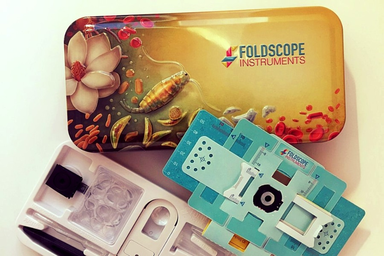 (A foldscope kit, image credit Team Foldscope)