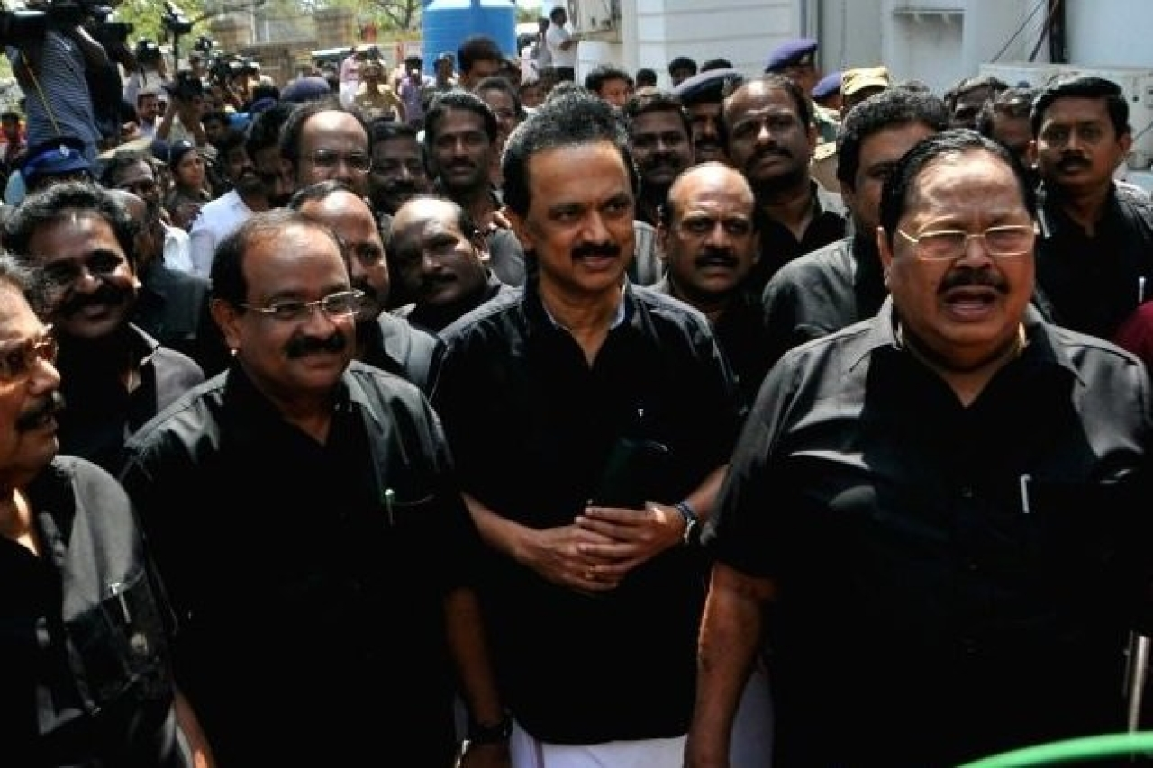 DMK leaders boycotting the assembly session. (pic via Twitter)