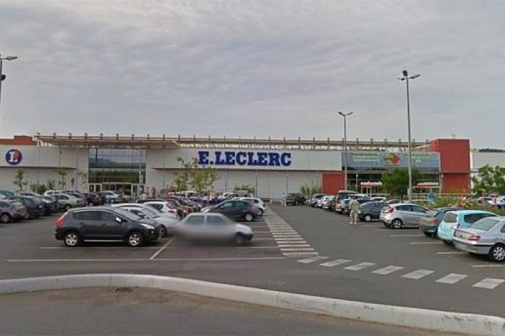 Islamist Attack In France: Woman Injures Two With Blade In Suspected Lone Wolf Attack