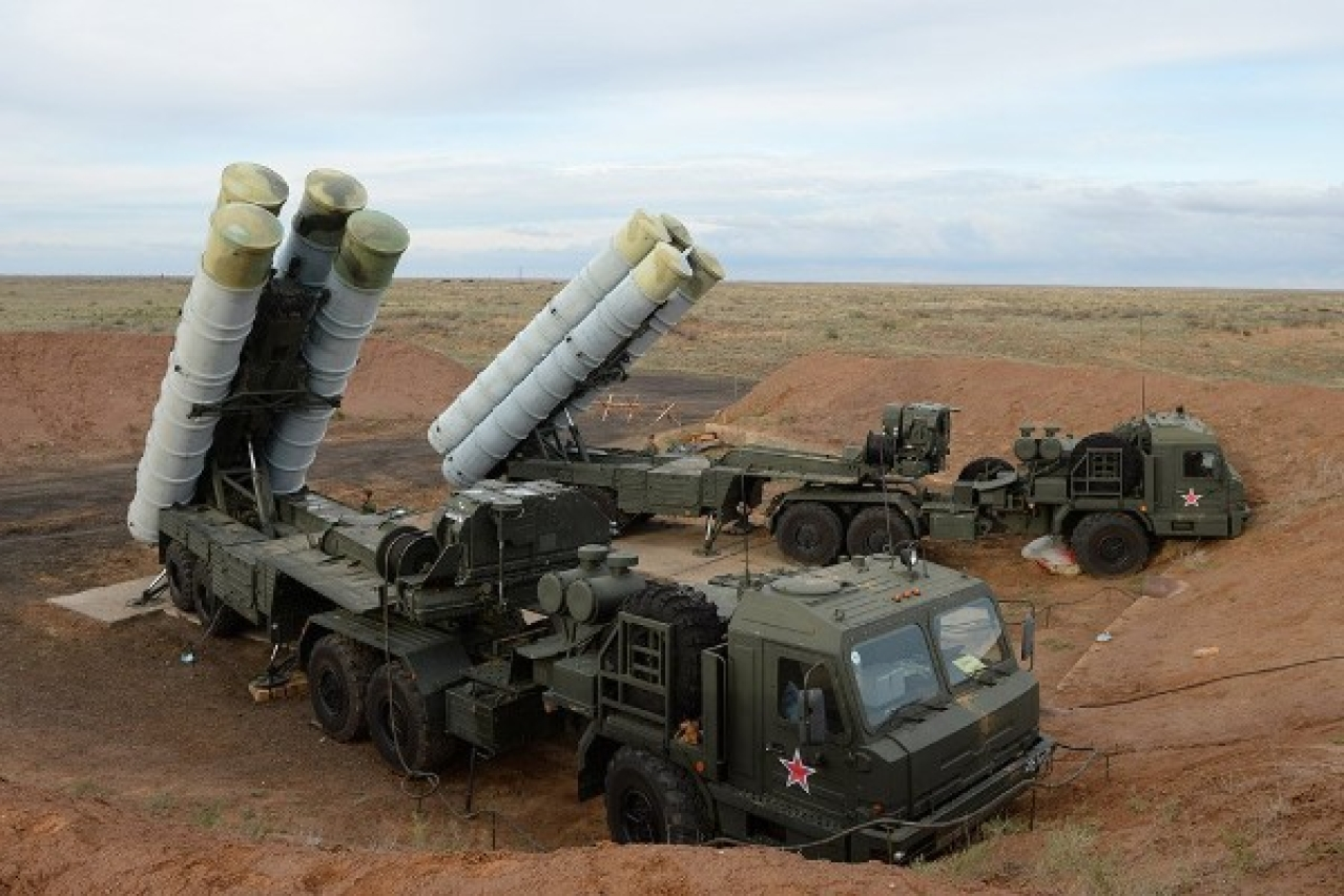 "The Almaz-Antey S-400 ""Triumf,"" also known by its NATO codename of SA-21 ""Growler."" (Photo Courtesy: NOSINT)"